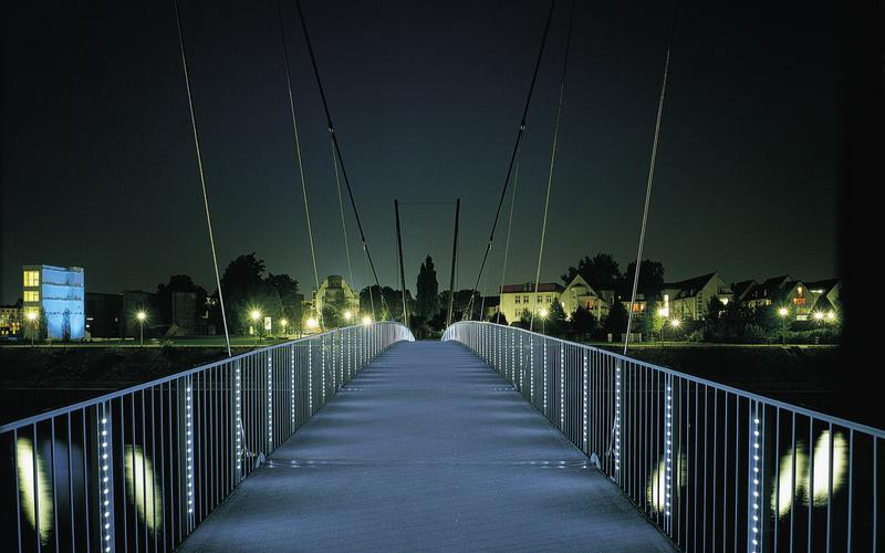 Pedestrian Bridge Innenhafen Duisburg